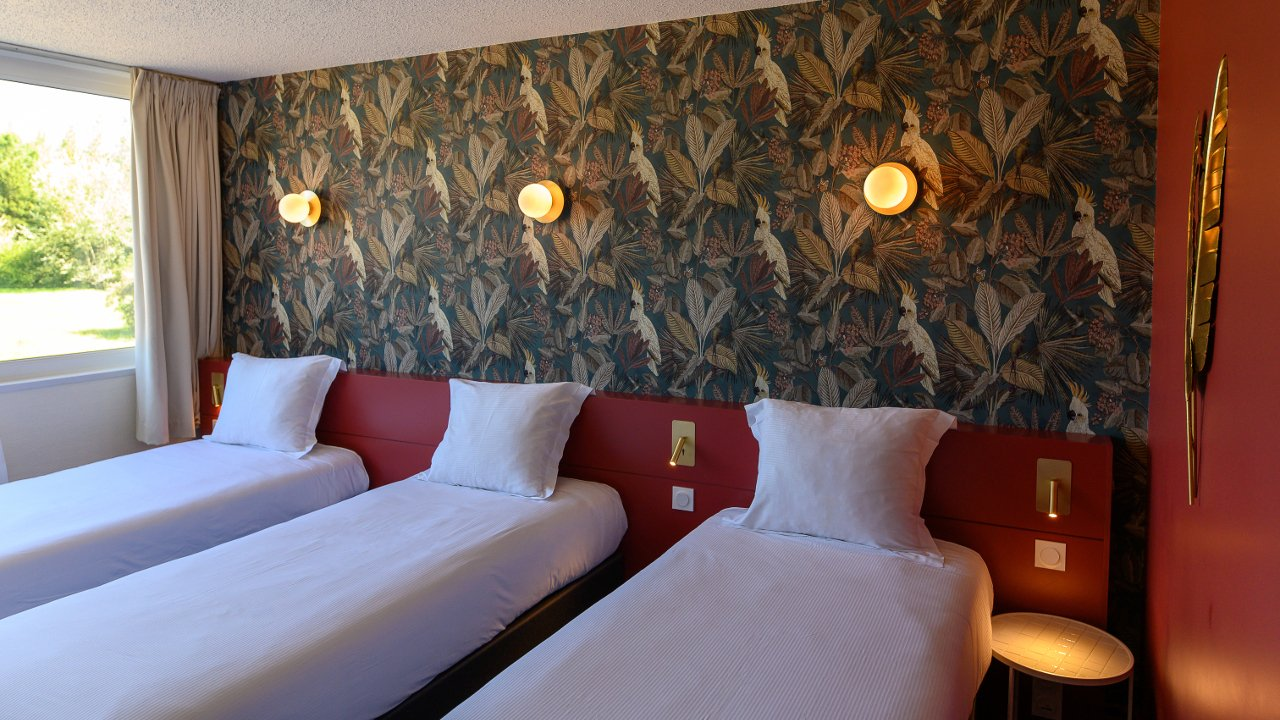 The Triple Rooms of the Hotel du Lac